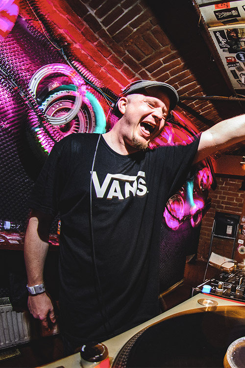 DJ Fefe